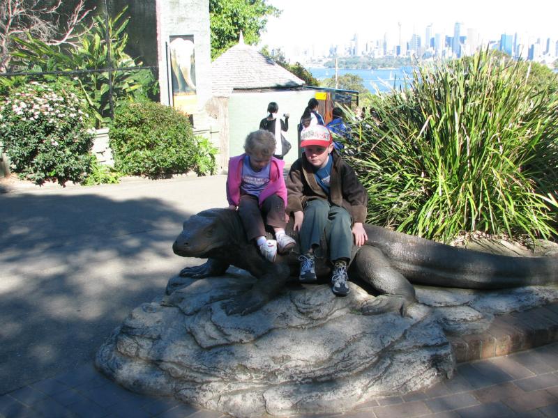 Kids-at-Taronga-Park-Zoo-Sydney-Australia