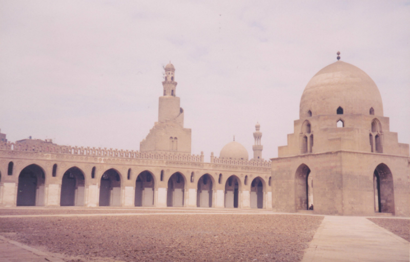 Ibn-Tulun-mosque-in-Cairo