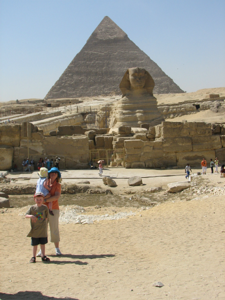 family-with-sphinx-and-pyramid-at-Giza-Egypt