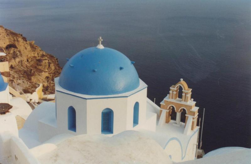santorini-blue-roofed-church