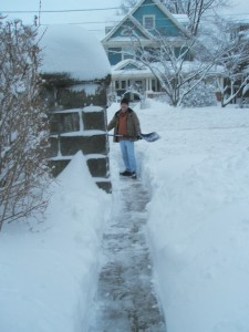 Shoveling-snow-in-New-Jersey-after-a snow-blizzard