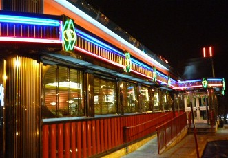 Diner-chrome-and-neons-New-Jersey