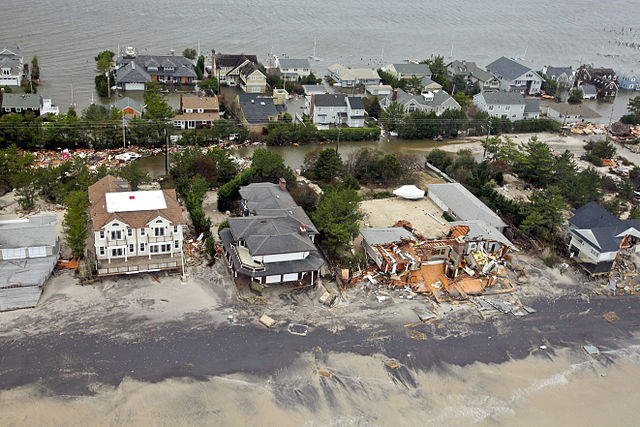 Hurricane-Sandy-to-New-Jersey-coast-at-Mantaloking