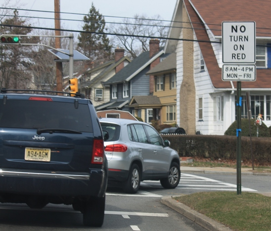 No-Turn-On-Red-road-sign-NJ