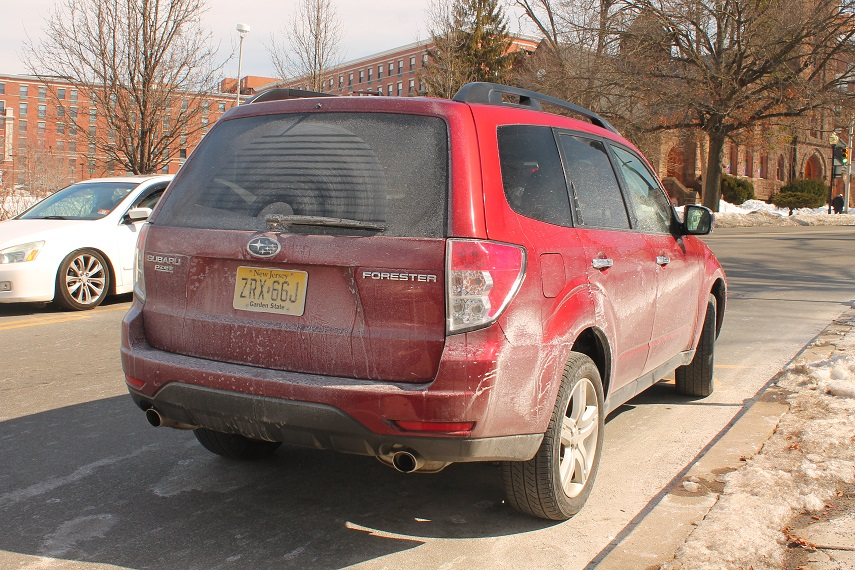 salt-covered-car-after-winter-snow-in-NJ