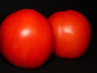 tomato-one-of-many-English-words-pronounced-differently-in-America