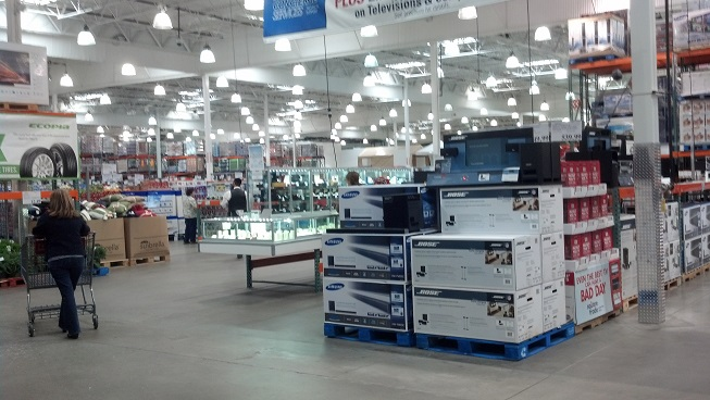 Costco-warehouse-retailer