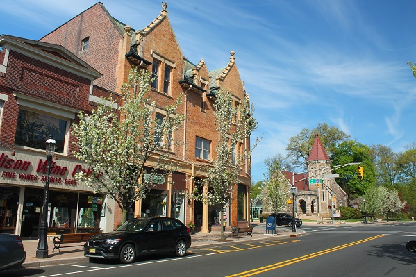 Downtown-on-Main-St-Madison-NJ-