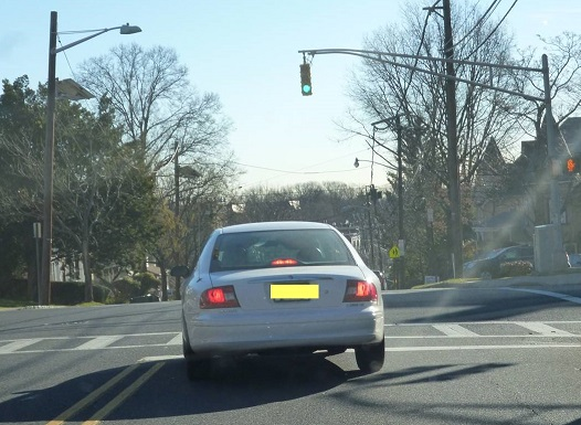 NJ-drivers-do-not-use-indicators-when-turning