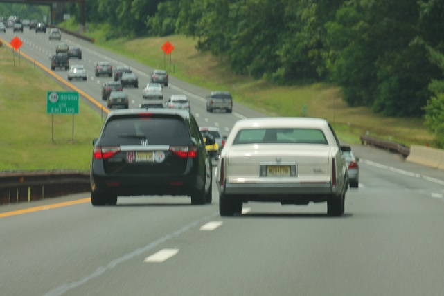 NJ-drivers-do-not-leave-safe-distance-to-other-cars