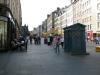 Walking-up-the-royal-mile-in-Edinburgh-Scotland