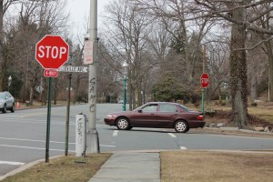 drivers-give-way-at-4-way-stop-signs-in-New-Jersey