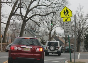 Drivers-cannot-always-turn-right-on red-lights-New-Jersey