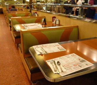 Typical-diner-booths-New-Jersey