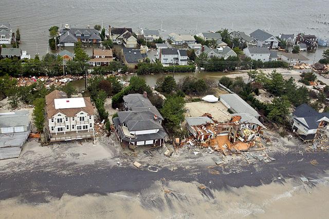 Hurricane-Sandy-to-New-Jersey-coast-at-Mantaloking