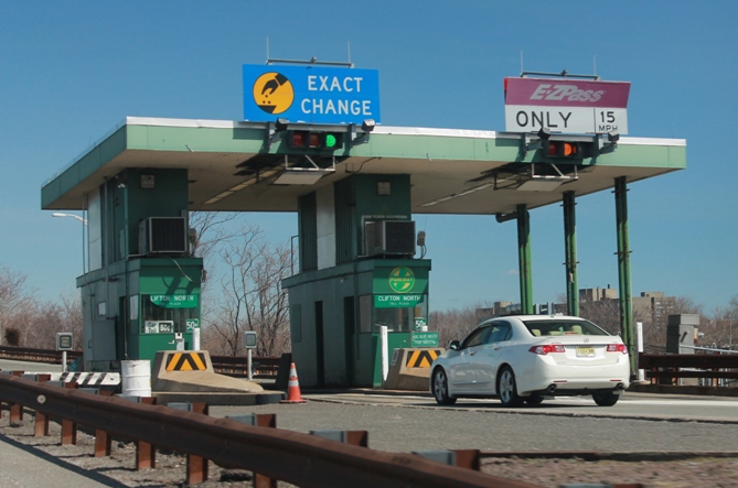 Toll-Plaza-at-entrance-to-Garden-State-Parkway-NJ