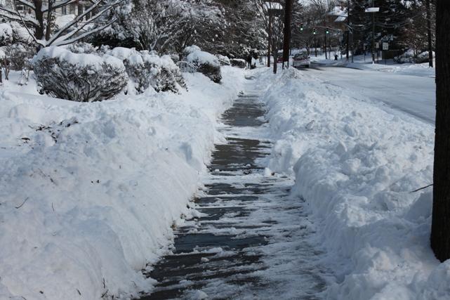 snow-removal-by-shoveling-NJ