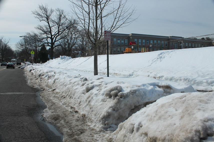 Limited-roadside-access-to-NJ-pathways-in-snow