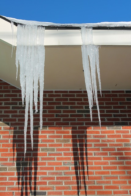 Winter-icicles-in-January